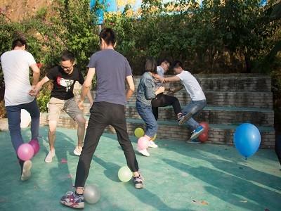 踩气球游戏